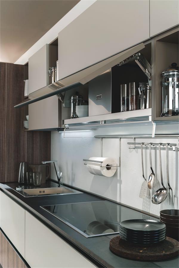 Evo cucina agora pensile con apertura vasistas evo cucine sito web ufficiale brand di - Pistoni vasistas cucina ...