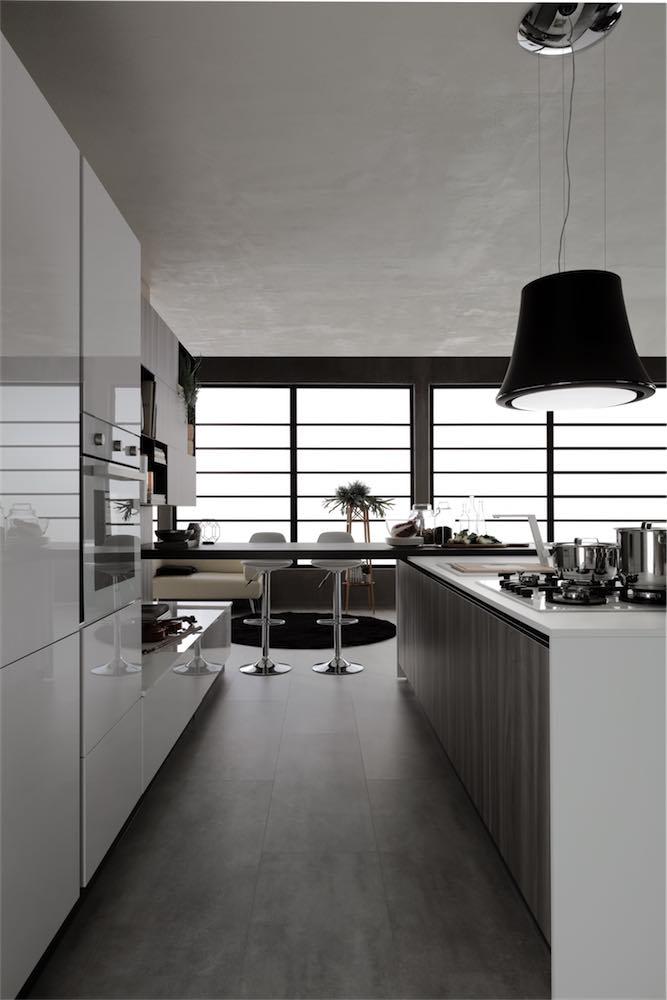 cucina-moderna-sonora-piano-zona-living-e-piano-operativo - EVO Cucine